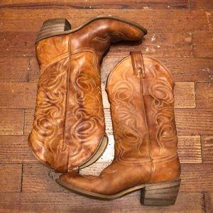 Shoes - Size 6M cowboy boots